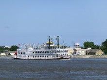 ミシシッピ川を行く外輪船