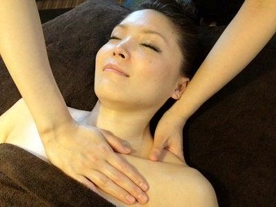 江東区のアロマセラピーサロン 手のぬくもりで癒される心と体&シルクで肌再生フェイシャル