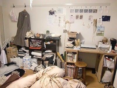友達を呼びたくなる部屋作り教室!一人暮らしのインテリアと家具配置-おしゃれなインテリアと収納、家具配置のサービス Before01