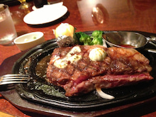 $ステーキは万世。ミスプリのブログ-にく