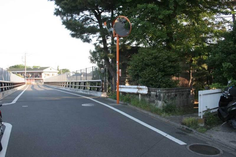 大蔵館/前の道