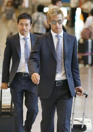 サッカー日本代表 帰国 ブラジル コンフェデレーションズカップ 選手