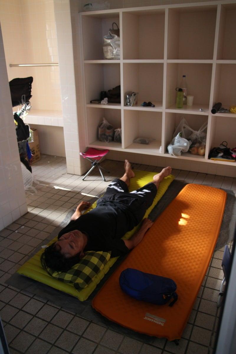 歩き人ふみの徒歩世界旅行 日本・台湾編-寝る男