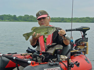 Dr.ミーヤンの下手っぴい釣りブログ-130630_48cmバスと小生