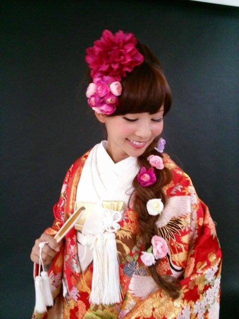 ラプンツェル風の髪型、ヘアアレンジの画像☆結婚式、成人式、卒業式にぴったり!【三つ\u2026