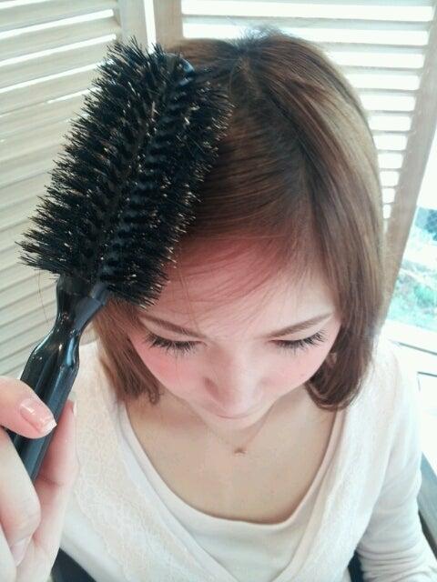 可愛く大人っぽく♡きれいな前髪の斜め分け術&アレンジ
