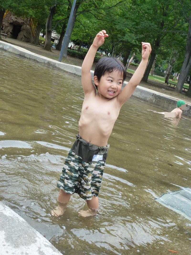 子ども 水遊び 裸 いつもいっしょに - FC2
