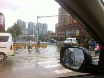 3分でわかる中国ビジネス攻略-昆明水浸し4