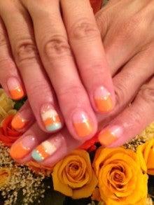 nailsalon M-cure-夏のオレンジボーダーネイル