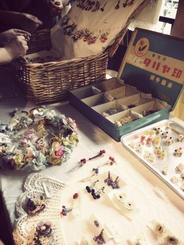 パリのちいさなアンティーク雑貨店 mille chats-かわいい布博06