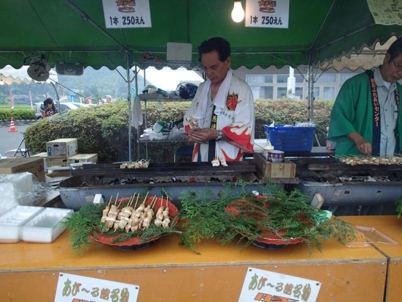 歩き人ふみの徒歩世界旅行 日本・台湾編-豚串を焼く