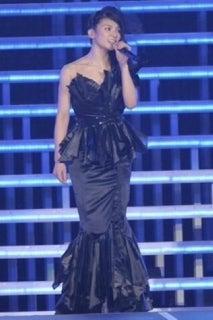 卒業セレモニードレス。|秋元才加オフィシャルブログ「ブキヨウマッスグ。」Powered by Ameba