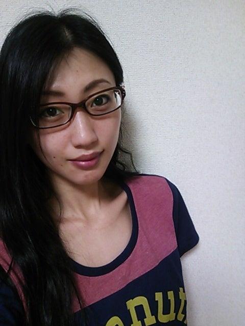 知的なギャップにドキッ!! 女性芸能人の【メガネ】スタイル