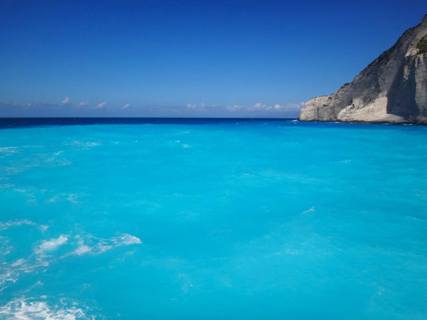 ザキントス島の不思議な海の色