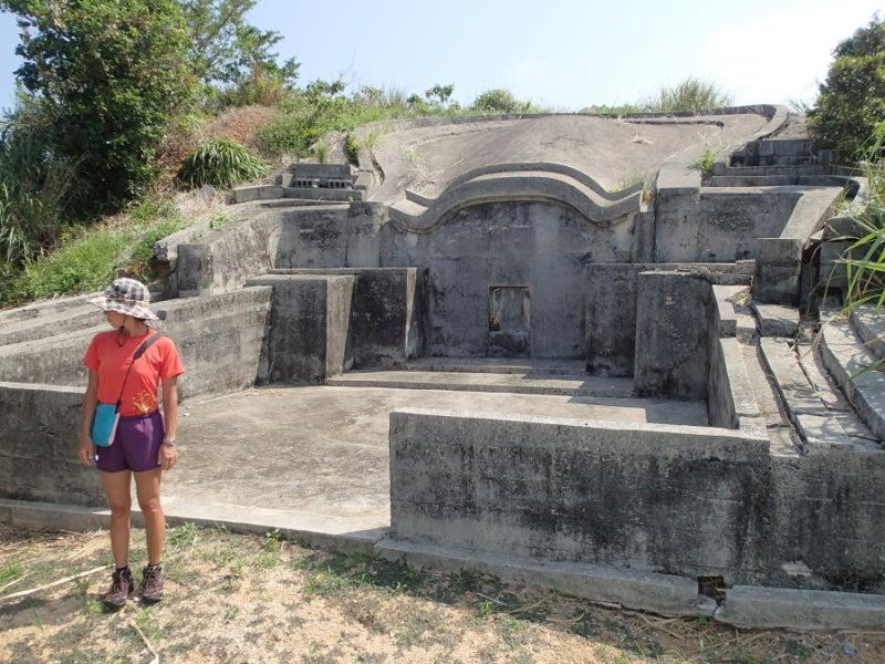歩き人ふみの徒歩世界旅行 日本・台湾編-大きなお墓