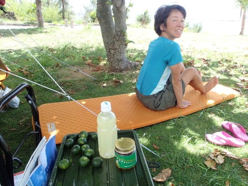 歩き人ふみの徒歩世界旅行 日本・台湾編-シークワーサードリンクとあゆみ