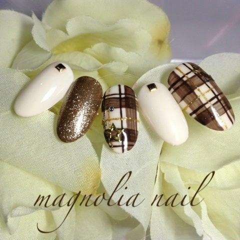 ブラウンチェックネイル|新宿・大久保プライベート ネイルサロン Magnolia Nail〜マグノリアネイル〜