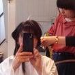 長い髪をバッサリ切ろ…