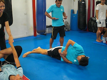 「キックボクシング 柔術 渋谷 スクランブル クラス ダイエット 格闘技初心者歓迎」スクランブル渋谷