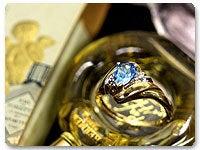 ティアドロップ・ブルートパーズとダイヤモンドの10金クラシカルリング