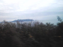 $メイブレラン潟さんのブログ-向こうに見える島は?