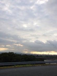 シネマと書店とライブハウス ~ 映画と本と音楽と ~-富士の朝陽の天幕