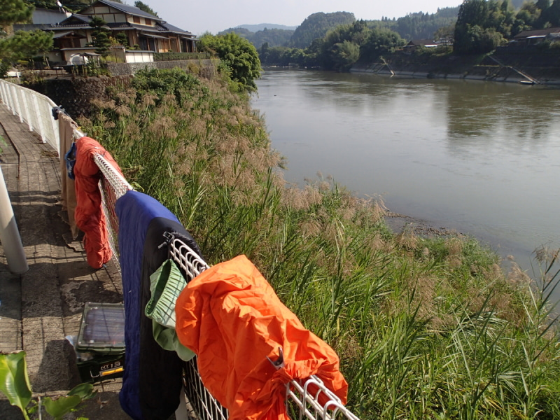 歩き人ふみの徒歩世界旅行 日本・台湾編-寝袋等干し