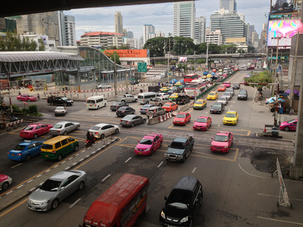 日々変病-バンコク街中