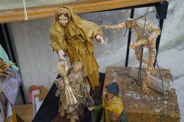 フレア ツアーズの旅情報&オフィシャルブログ-レッチェ 紙粘土聖人像