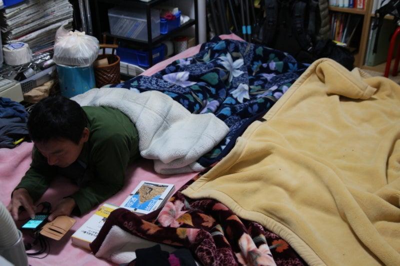 歩き人ふみの徒歩世界旅行 日本・台湾編-部屋で