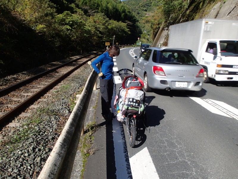 歩き人ふみの徒歩世界旅行 日本・台湾編-四国の道路
