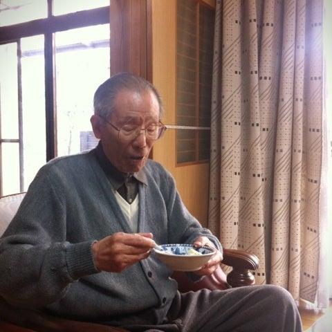 がちゃ★ぶろぐ「アラサーてなんやねん!」-おじいちゃん、ショートケーキをぺろり。