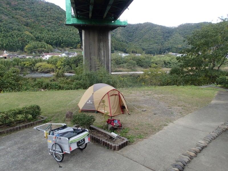 歩き人ふみの徒歩世界旅行 日本・台湾編-橋の下