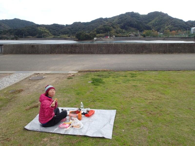 歩き人ふみの徒歩世界旅行 日本・台湾編-海辺昼食