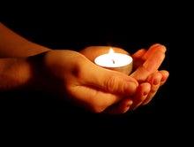 $心の羅針盤~ティム・マクリーンと高岡よし子によるブログ-candle in hands