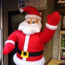 サンタが街にやって来…