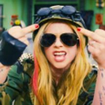 【和訳】 Avril…