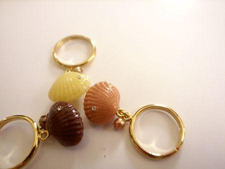 貝殻チョコレートのリング