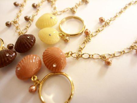 貝殻チョコレートのリングとブレス2