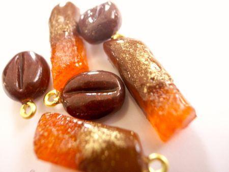 コーヒー豆のチョコレートとオレンジピール