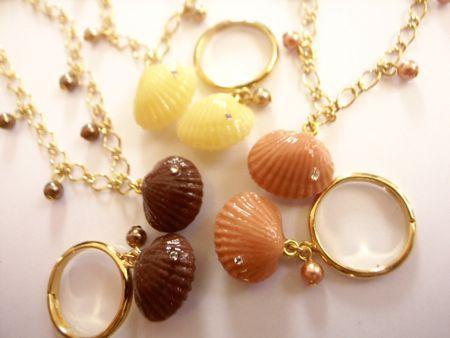 貝殻チョコレートのリングとブレス