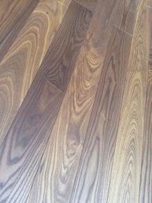 自然素材の ワールドフロンテア-熱処理タモ 床暖房対応 無垢フローリング