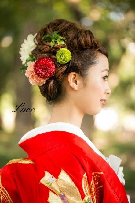 最新のヘアスタイル 色打掛髪型カタログ : 赤 の 色 打掛 に 合わせた 和装 ...