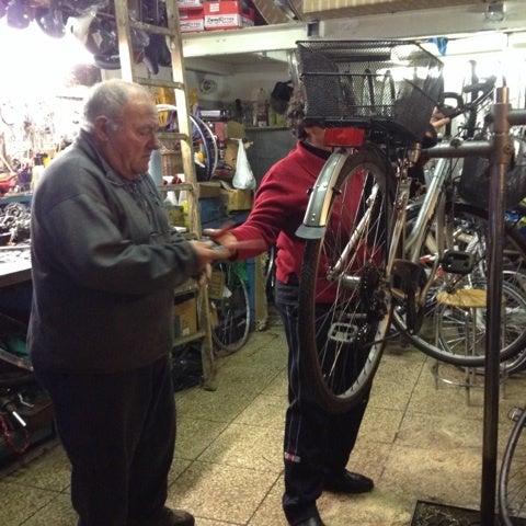 ローマ老舗の自転車屋さん ... : 自転車屋さん 近く : 自転車屋