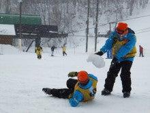 20131227ふくスマ昼休み雪合戦②