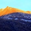 新疆喀納斯の雪山と白…