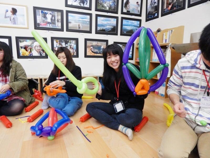 島根県立大学BBSサークルでバルーンアート教室