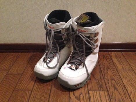 スノーボード用ブーツ、790円だったのでこれを購入