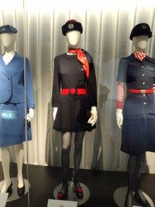 ミニスカートCA制服