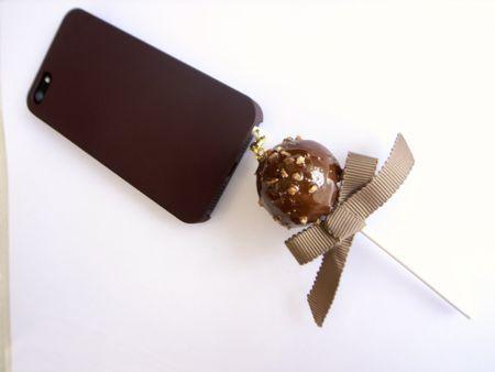 チョコレートロリポップスマホピアス